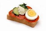 Paprikás szalámis party szendvics